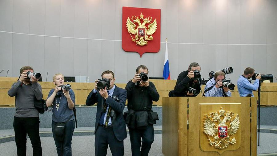 russias-ruling-party-outraged-after-lawmaker-compares-journalists-to-servants.jpg