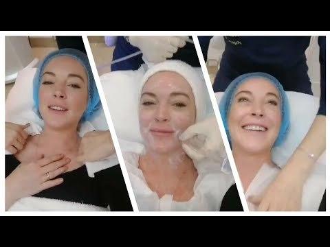Lindsay Lohan in spa | Instagram live stream