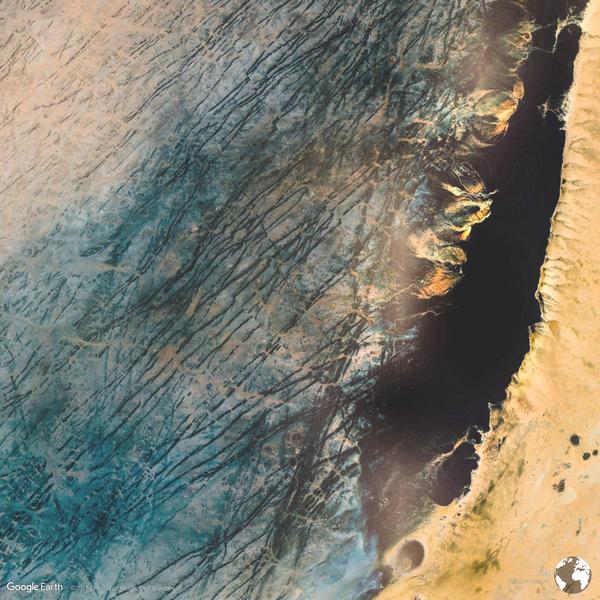 Zug, Western Sahara - Earth View from Google