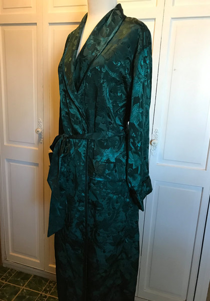 Victoria's Secret Satiny Long Wrap Robe/Dark Green Embossed Design/Small Medium 6-8-10-12-14/Belted/Dressing Gown...