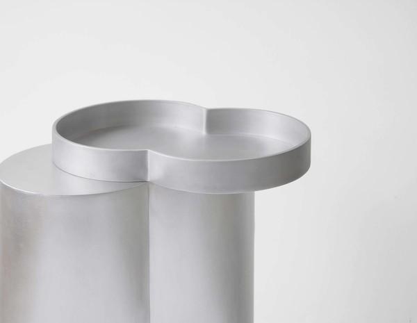 3.BoldSideTableTray-Aluminium2-1.jpg