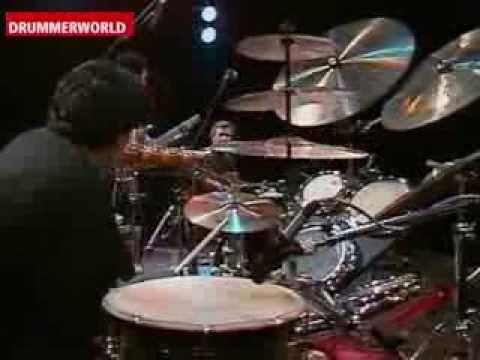 Trilok Gurtu - John McLaughlin - Kai Eckhardt-Karpeh - Theaterhaus Stuttgart - 1989 More Videos here at DRUMMERWORLD: http://www.drummerworld.com