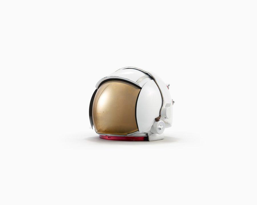 Helmet_ThreeQuarter_VISOR_INK_VERSION-1920x1536.jpg