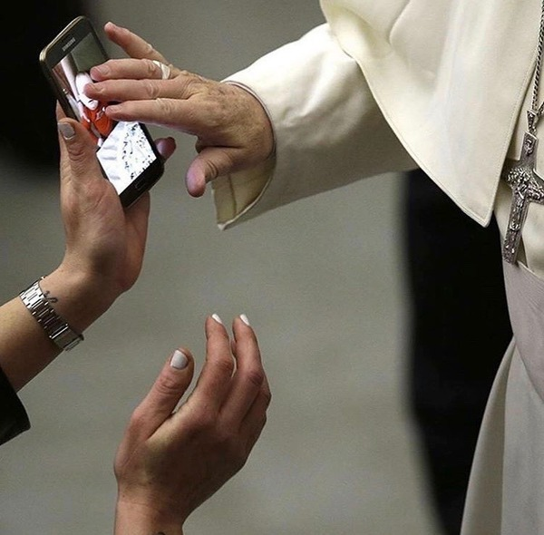 pope-and-a-phone.jpg