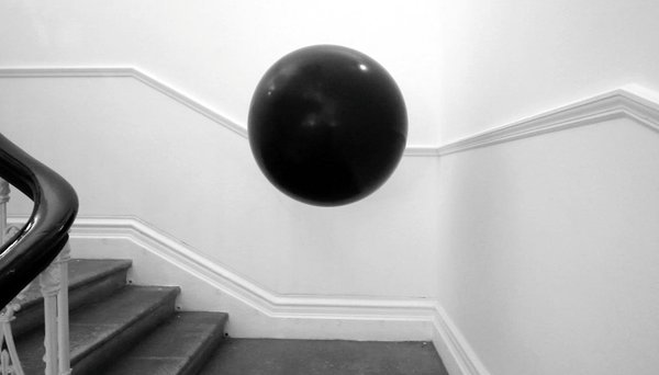 A floating object that explores and manipulates transitional public spaces with particular acoustic properties. By recording and replaying these ambient sounds, the hovering sphere produces a delayed echo of human activity. Cheap electronics were programmed and inserted into the sphere to generate the sounds.