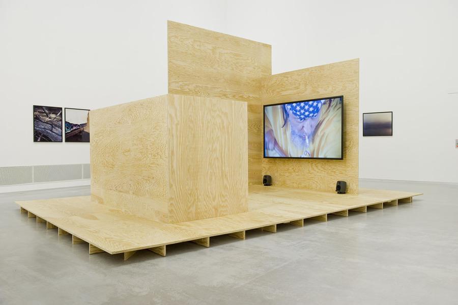 Cyrill-Lachauer-I-What-do-you-want-here-I-Berlinische-Galerie-I-2017-I-Studio-Violet-I-Viola-Eickmeier_03.jpg