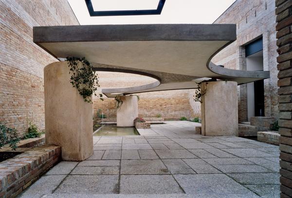 044-italian-pavilion.jpg