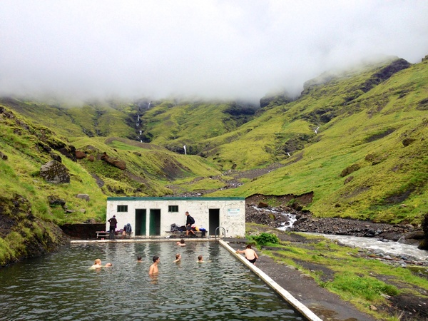 seljavallalaug-a-hidden-swimming-pool-in-south-iceland-the-icelandpool-437_hidden-pool_pool_design-pool-inground-designs-pic...