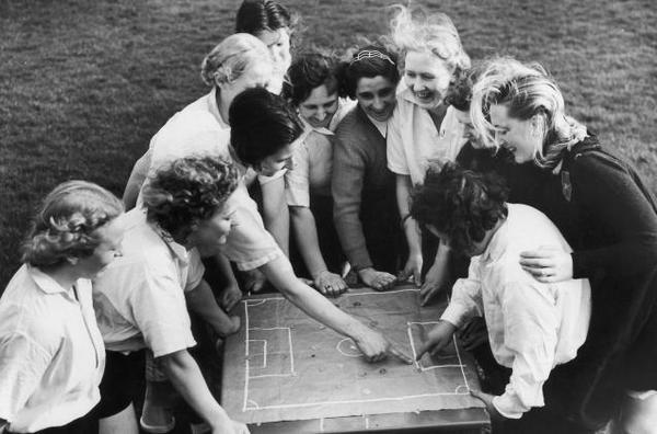 https://talksport.com/football/dick-kerrs-ladies-fc-remembering-greatest-womens-football-team-world-170714246436