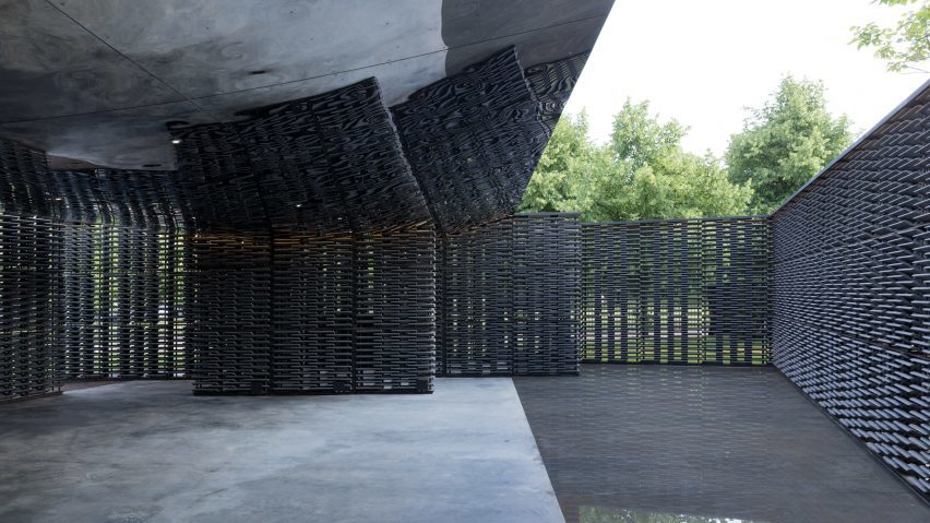 serpentine-pavilion-2018-frida-escobedo_dezeen_2364_hero-852x479.jpg