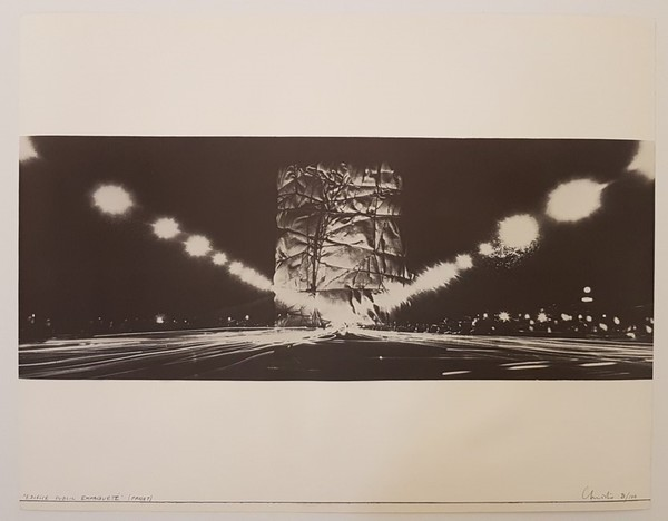 christo-and-jeanne-claude-monuments-arc-de-triomphe-paris-1968-.jpg