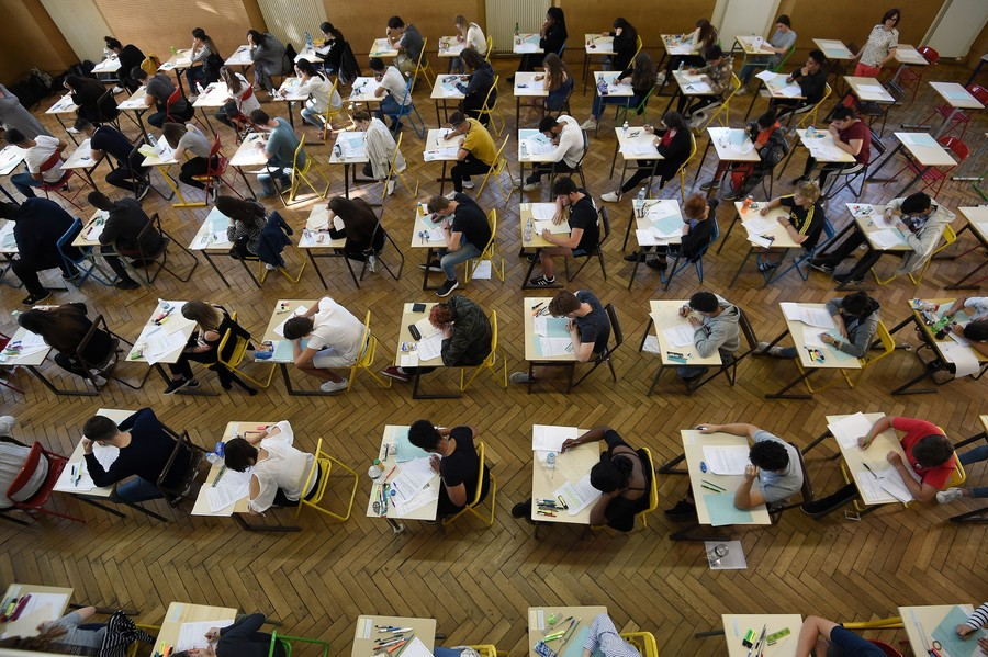 france-education-examination-baccalaureat-000-16558x-frederick-florin-afp.jpg