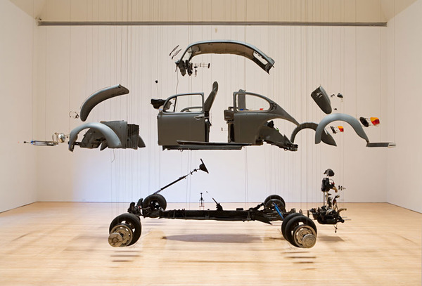 Damian Ortega, Cosmic Thing, 2002