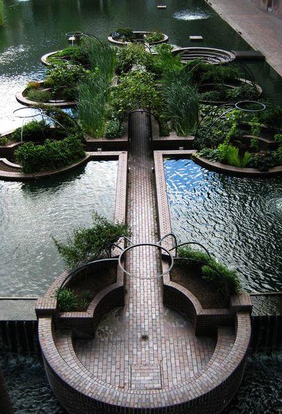 275e5a7d0f5e09bb0bcbb93390f4c189-garden-water-water-gardens.jpg