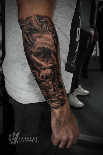 neptuno-tattoo.png