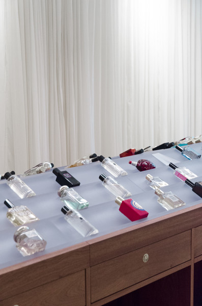 Fragrance-store display shelves (designed by Unknown Architects)