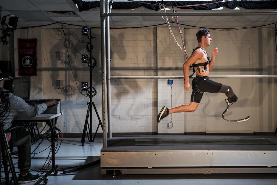 human-performance-paralympian-sprinter.adapt.1900.1.jpg