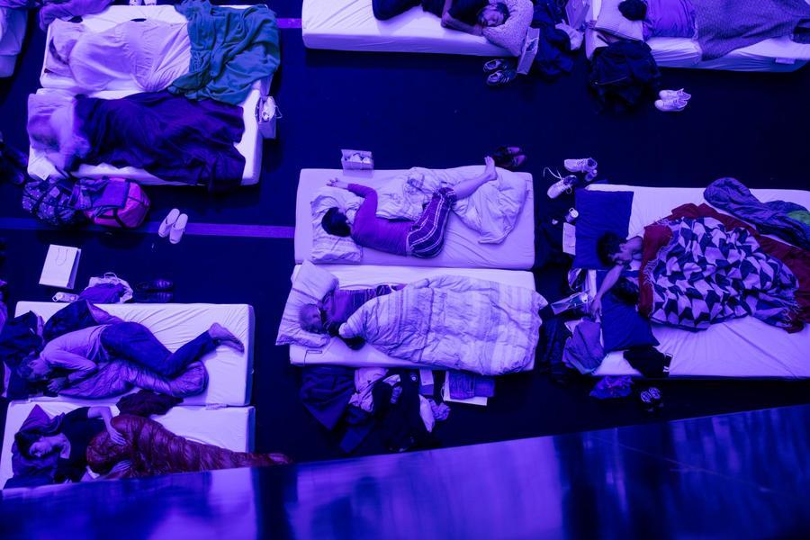 sleep-max-richter-concert-paris-beds-post-minimalism.adapt.1900.1.jpg
