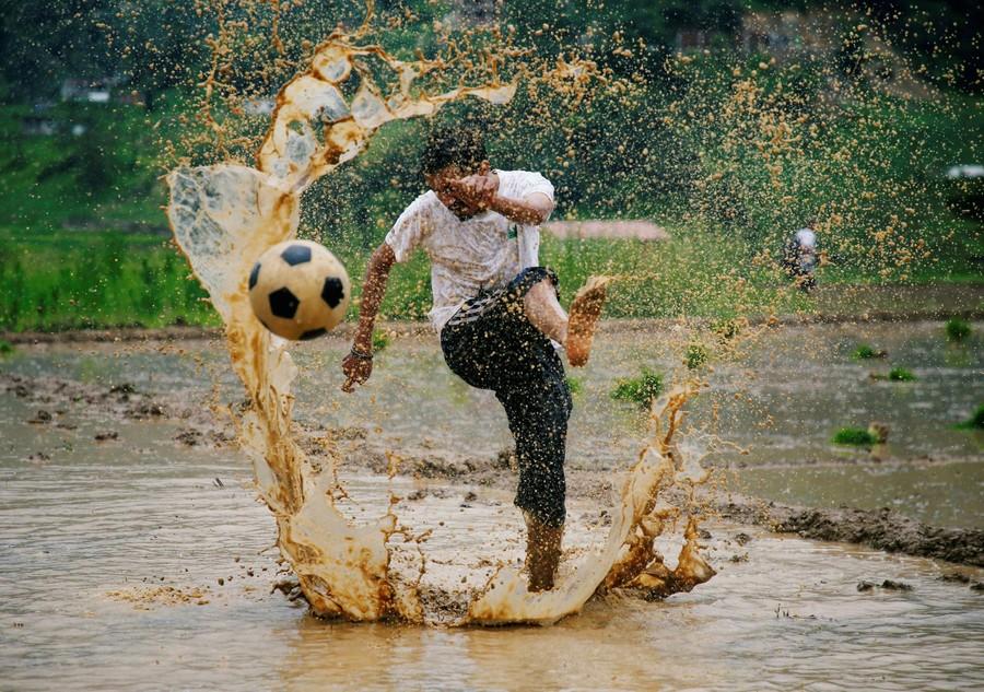 futebol-agua.jpg
