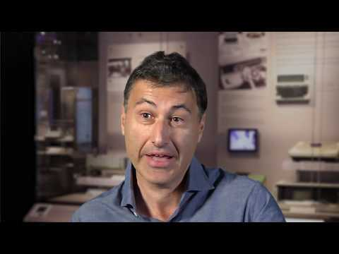 """Interviewed by David Brock, Hansen Hsu and John Markoff on 2017-02-21 in Mountain View CA, X8111.2017 © Computer History Museum Born of Armenian parents in 1961, into a working class, entrepreneurial family, Avadis """"Avie"""" Tevanian grew up in New England, the oldest of four boys."""