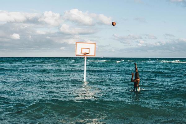 hoop-dreams-john-margaritis-basketball-beach-designboom-02_1024x1024.jpg?v=1481846662