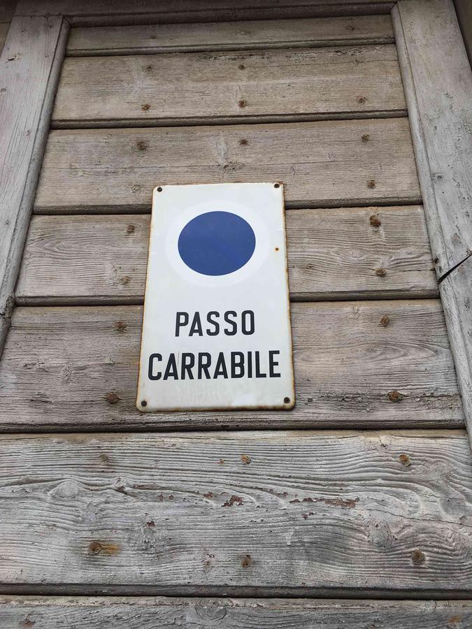 Urbino municipal signage