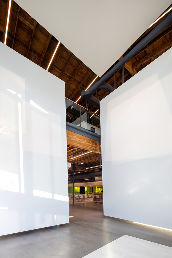 canvas-offices-a-plus-i-architecture-los-angeles-california-usa_dezeen_2364_col_8.jpg