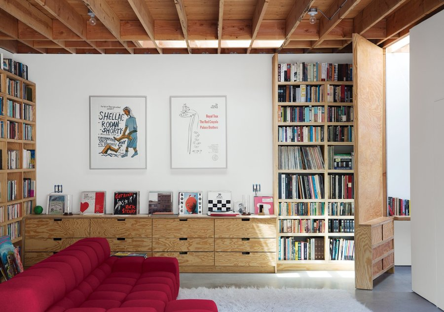 when-libby-may-and-eoghan-mahony-purchased-a-1950s-post-and-beam-house-in-los-angeles-santa-monica-canyon-they-envisioned-so...