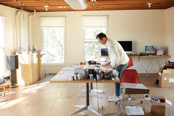 GEOFF MCFETRIDGE AT HIS STUDIO