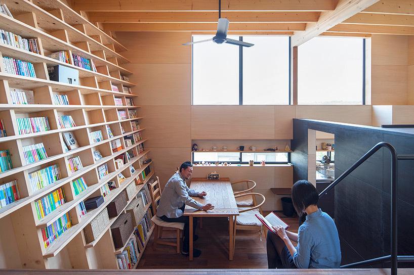 bookshelf-house-designboom-1.jpg