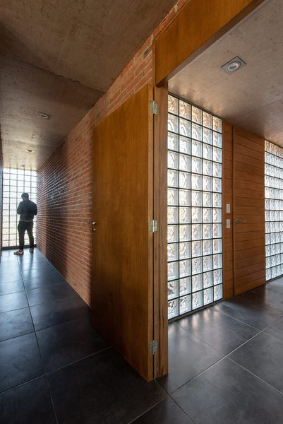 estudio-galera-casa-rincon-brick-house-argentina-designboom-04.jpg