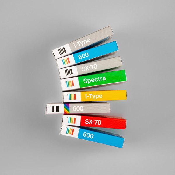 06-polaroid-originals-film-packaging-2int.jpg