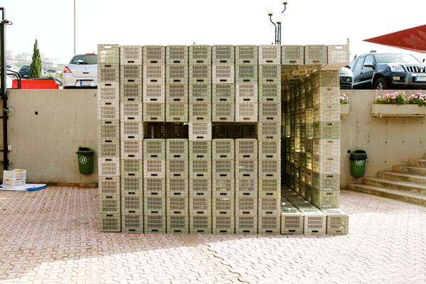 emergency-plastic-crates-shelter-1.jpg