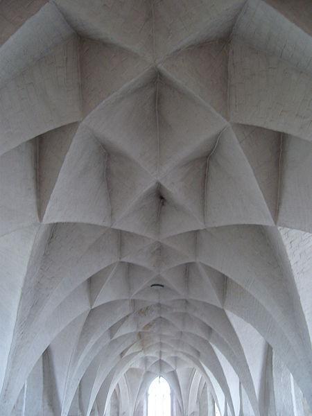 diamond-vault_german-architecture_gothic.JPG