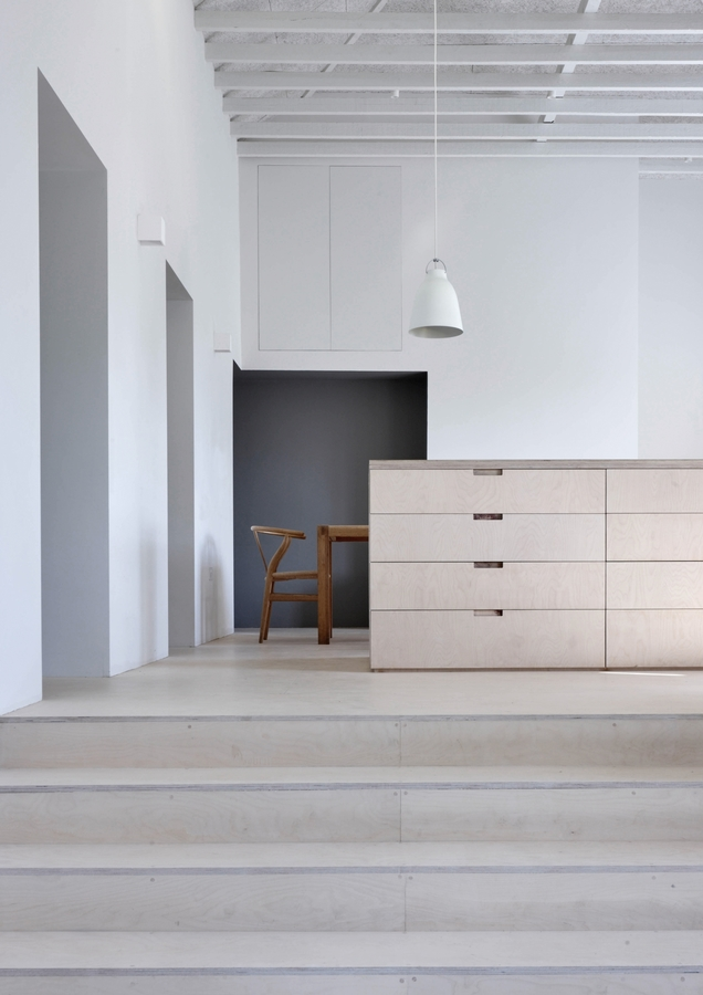 merrydown-dorset-mclaren.excell-architects-remodelista-1a-1466x2074.jpg