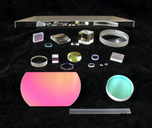 custom-optics-lenses-1.gif