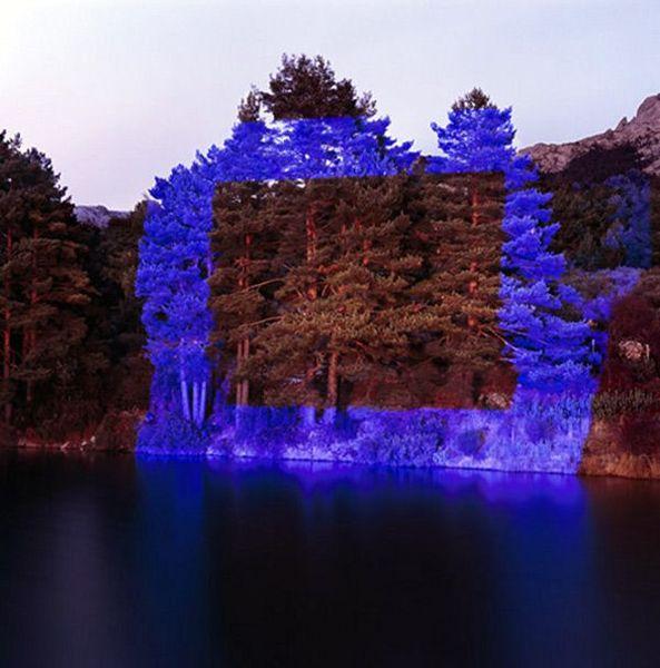 1184a9a836d762d0b46389caae325479-light-art-installation-art-installations.jpg