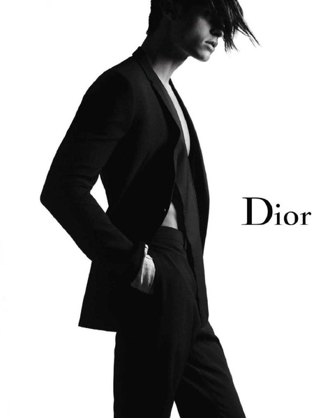 baptiste-giabiconi-by-karl-lagerfeld-for-dior-homme-02.jpg