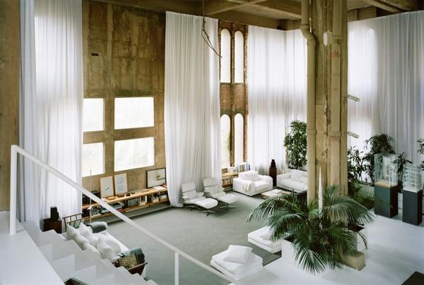 50a47fbeb3fc4b263f00001c_the-factory-ricardo-bofill_ricardo_bofill_taller_arquitectura_santjustdesvern_barcelona_spain_privatespaces_-7-1000x673.jpg