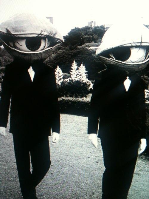 creepy-vintage-halloween-costumes-6.jpg