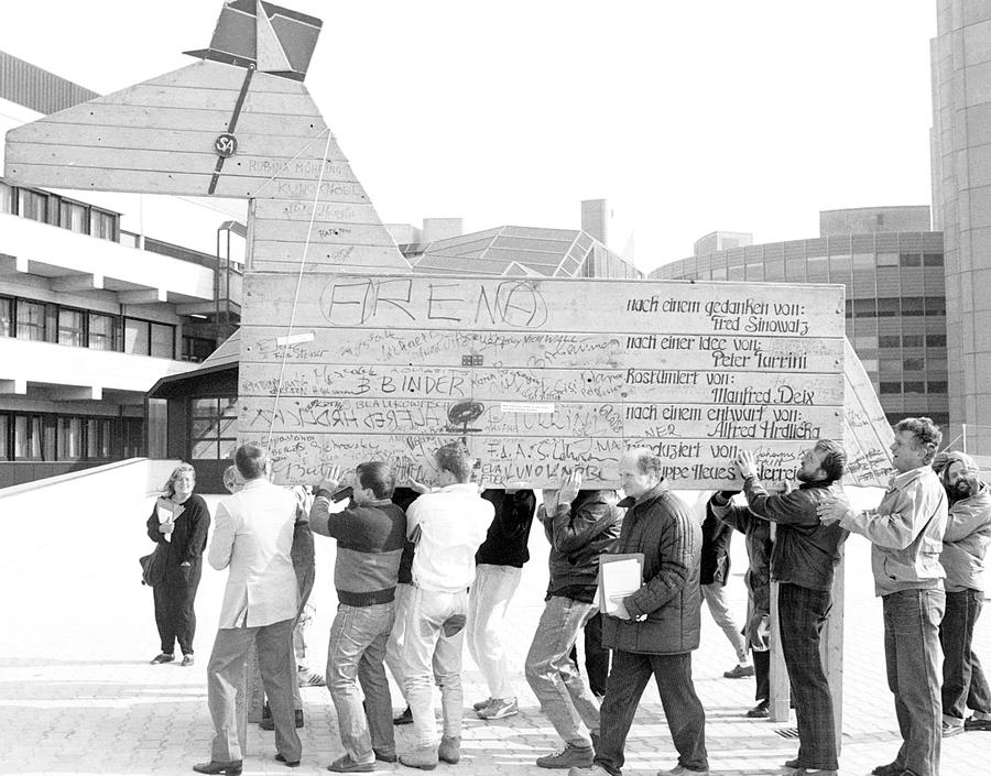 anti-waldheim-demonstration.jpg