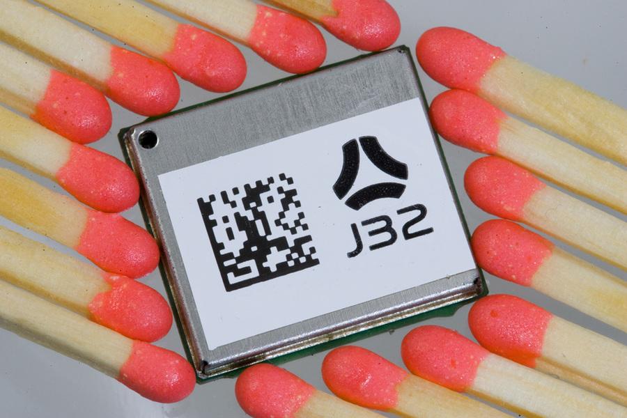 j32_1_small.jpg