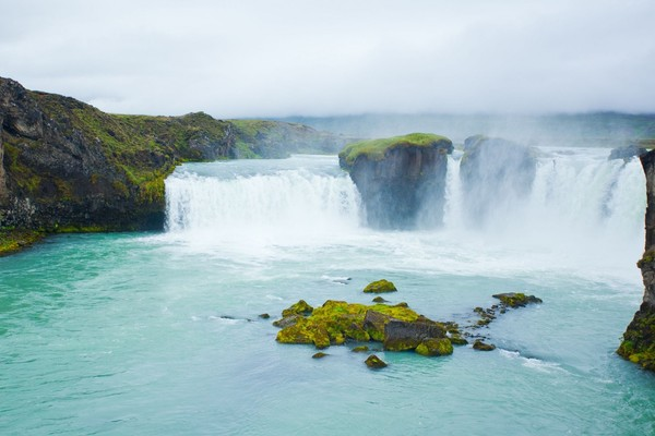 godafoss-waterfall-in-the-northern-iceland-1600x1066.jpg