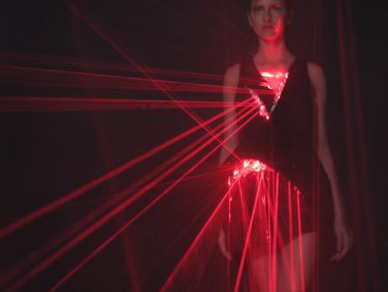 Hussein Chalayan, Laser Dress