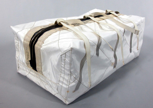 bag-lunar-sample-container-decontamination.jpg