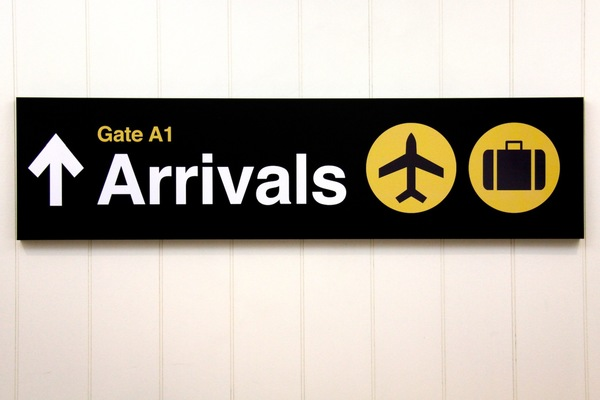 empirical-style-departure-arrivals-airport-sign_4191.jpg