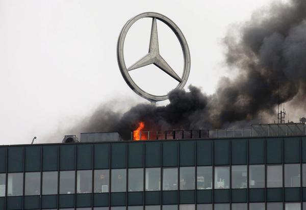 europa-center-mercedes-benz-fire.jpg