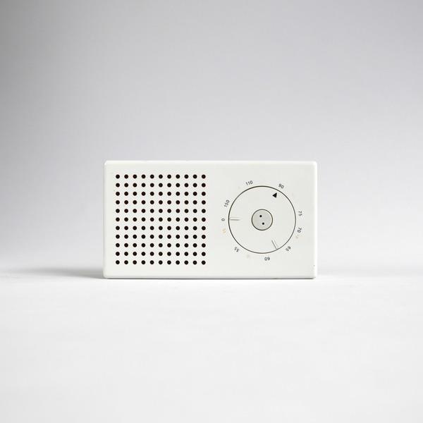 dieter-rams-braun-t-3-pocket-radio-01.jpg