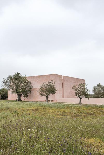 Neuendorf House by John Pawson & Claudio Silvestrin