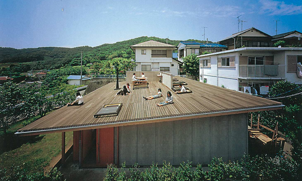 Roof House, 2001 (Tokyo) / Tezuka Architects